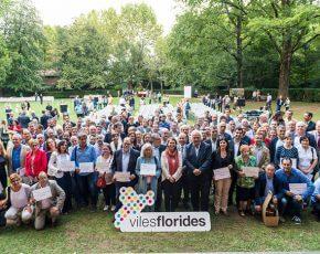 Viles Florides entrega los reconocimientos de Flores de Honor 2016 a 86 municipios