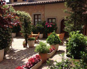 apartaments turistics Can Llorenç - Viles Florides