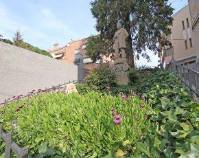 Monument Clavé Sant Vicenç de Castellet - Viles Florides